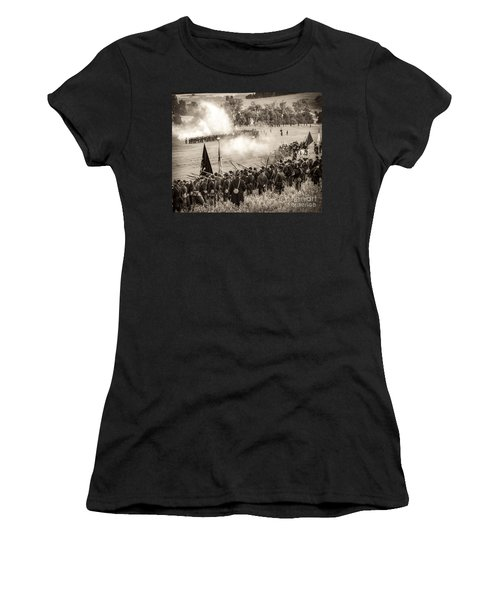 Gettysburg Union Artillery And Infantry 7496s Women's T-Shirt