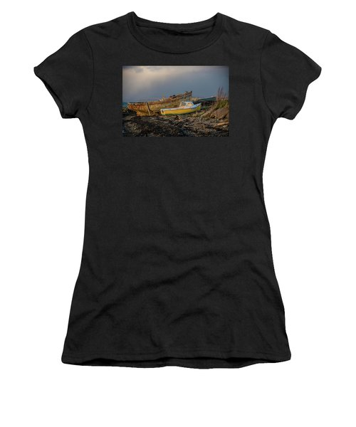 Sunset In The Highlands Women's T-Shirt (Athletic Fit)