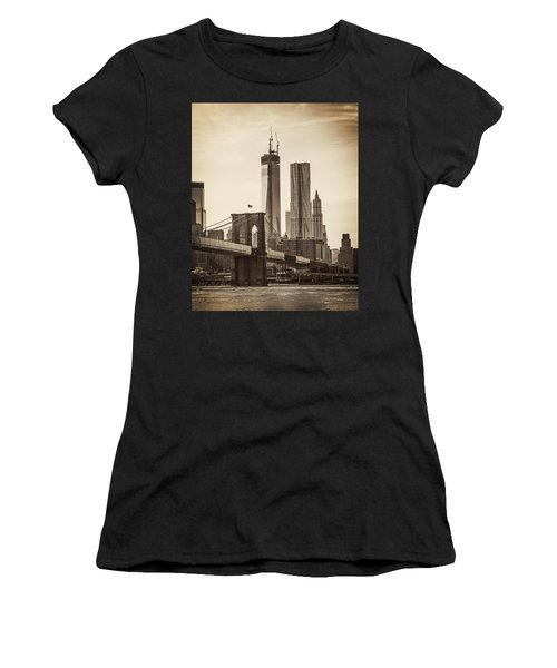 Freedom Tower Rising Women's T-Shirt (Athletic Fit)
