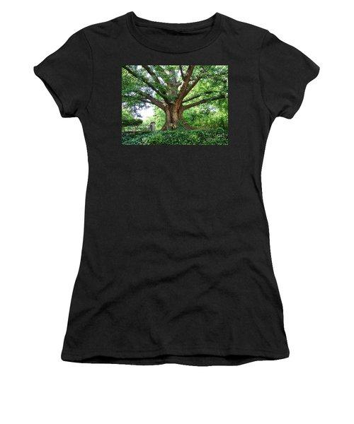 Inwood Ginkgo  Women's T-Shirt