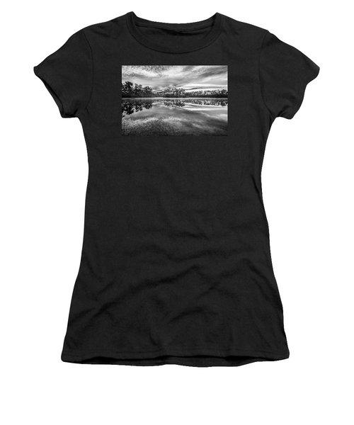 Long Pine Bw Women's T-Shirt