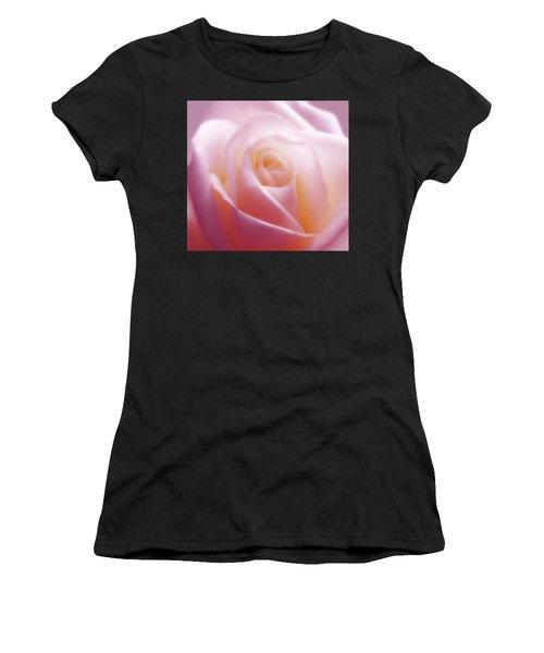 Soft Nostalgic Rose Women's T-Shirt