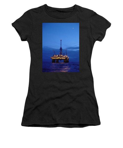 Visund In The Twilight Women's T-Shirt (Athletic Fit)