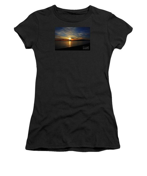 Welcome Beach 2015 3 Women's T-Shirt (Athletic Fit)