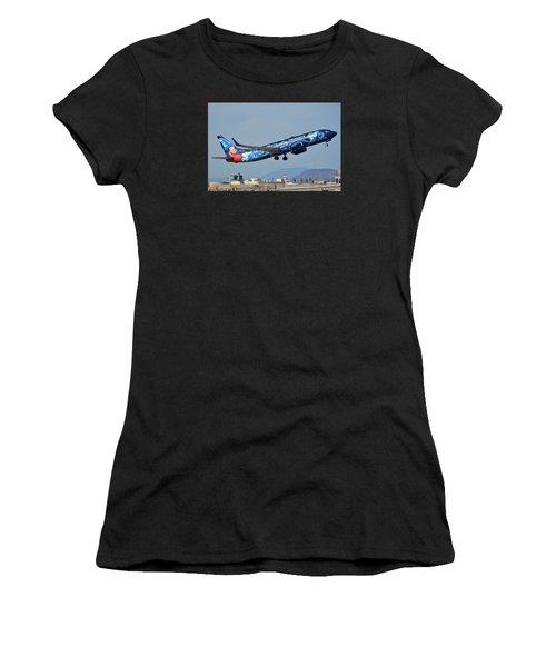 Westjet Boeing 737-8ct C-gwsz Magic Plane Phoenix Sky Harbor January 22 2016 Women's T-Shirt