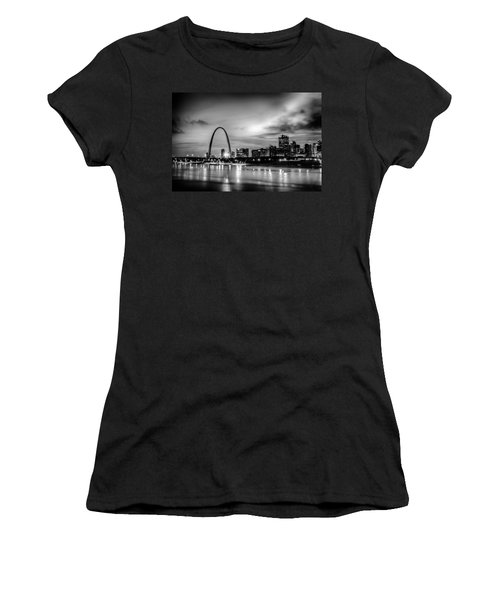 City Of St. Louis Skyline. Image Of St. Louis Downtown With Gate Women's T-Shirt