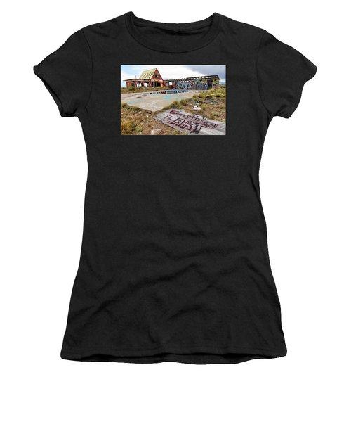 2 Guns Koa Women's T-Shirt (Athletic Fit)