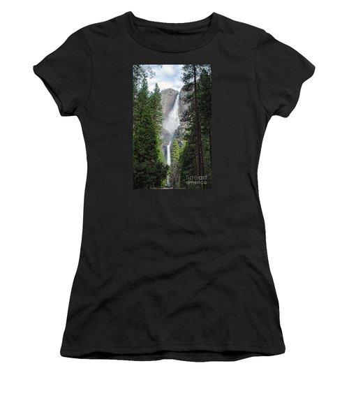 Yosemite Falls Women's T-Shirt (Athletic Fit)