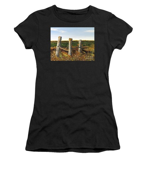 3 Old Posts Women's T-Shirt (Athletic Fit)