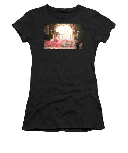 Vintage Val Bedroom Dreams Women's T-Shirt