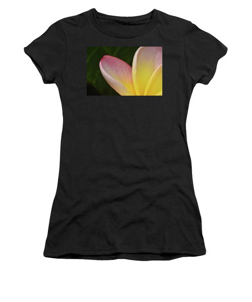 Plumaria Women's T-Shirt