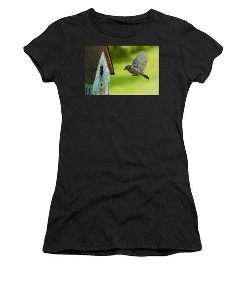 A Busy Blue Tit Mum Women's T-Shirt