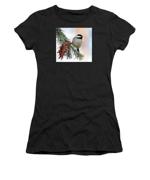 A Christmas Chickadee Women's T-Shirt