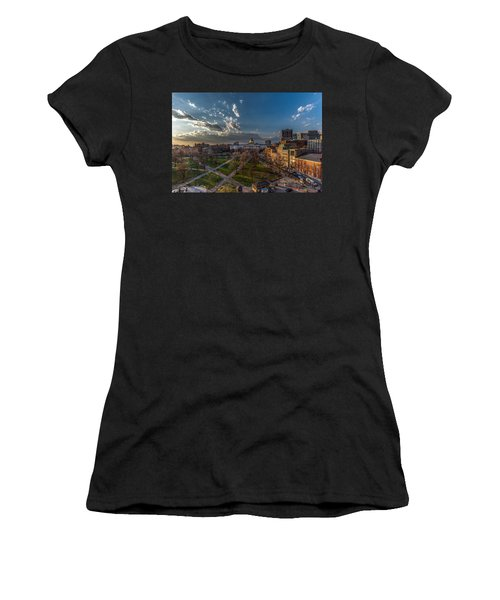 A Common Sunset Women's T-Shirt