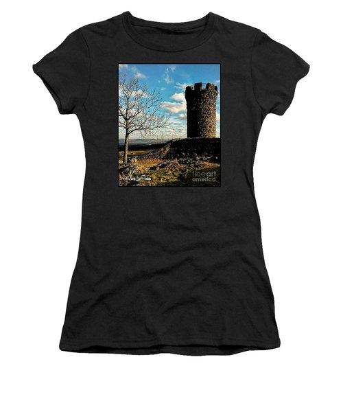 A Day At  Craigs  Castle   Women's T-Shirt