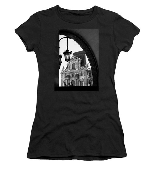 A Peak To The Louvre Women's T-Shirt