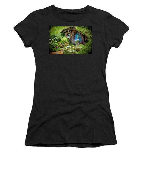 A Pretty Hobbit Hole Women's T-Shirt