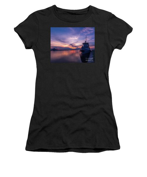 A Tugboat Sunset Women's T-Shirt