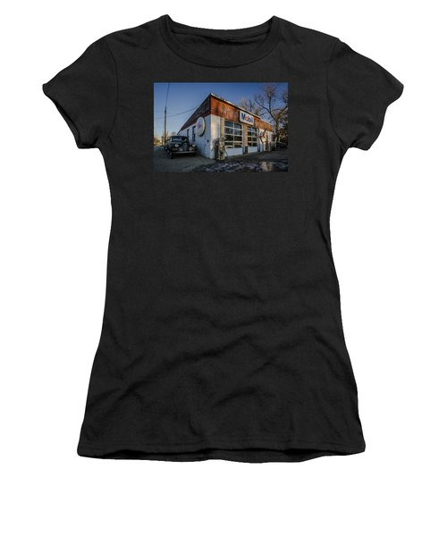 A Vintage Gas Station And Vintage Cars In Early Morning Light Women's T-Shirt