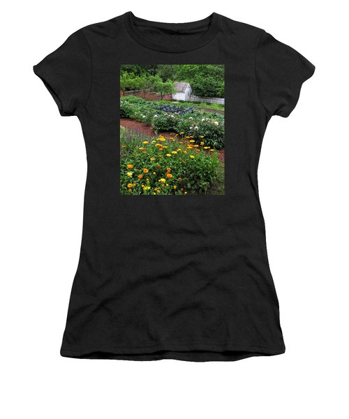 A Williamsburg Garden Women's T-Shirt (Athletic Fit)
