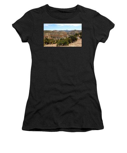 Across Utah  Women's T-Shirt (Athletic Fit)