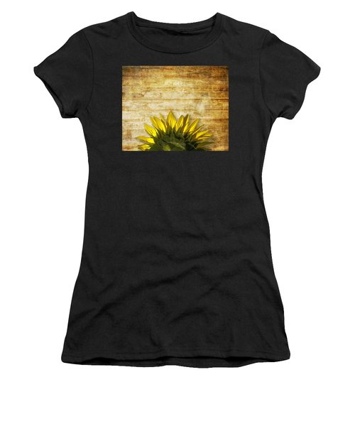 Women's T-Shirt featuring the photograph Ad Orientem by Melinda Ledsome