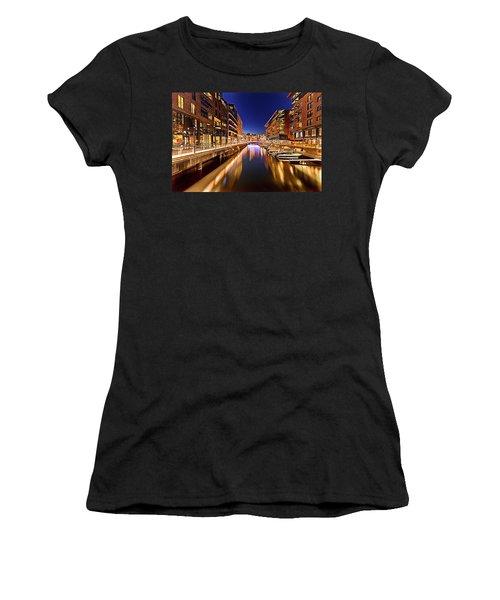Aker Brygge Women's T-Shirt (Athletic Fit)