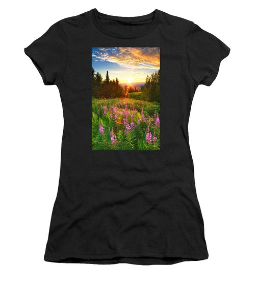 Alaska Field Women's T-Shirt (Athletic Fit)