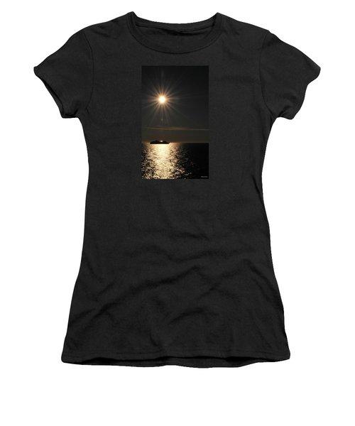 Alaskan Memories Women's T-Shirt (Athletic Fit)