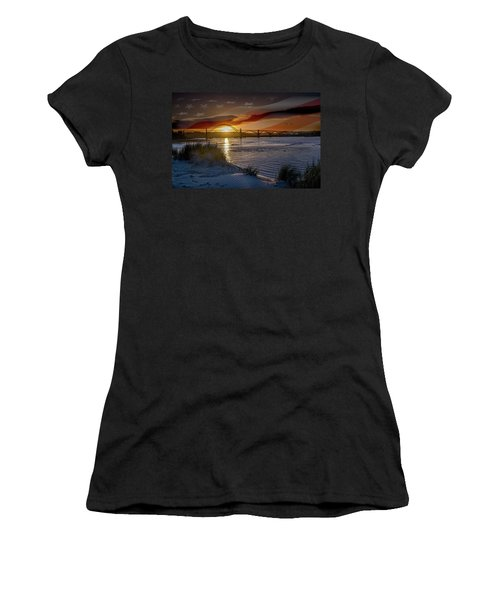 American Skies Women's T-Shirt (Athletic Fit)