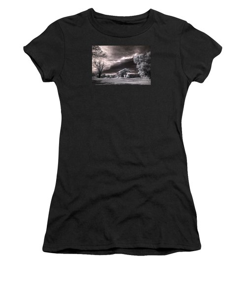 An Ivy Covered Rustic Women's T-Shirt (Athletic Fit)