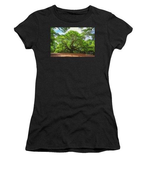 Angel Oak Tree In South Carolina  Women's T-Shirt