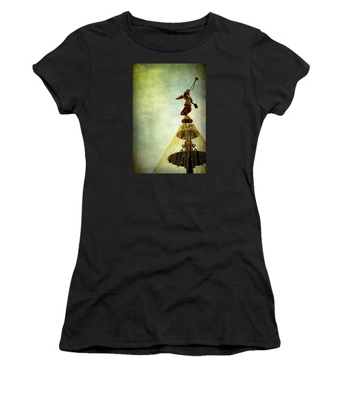 Angel On The Fountain Women's T-Shirt