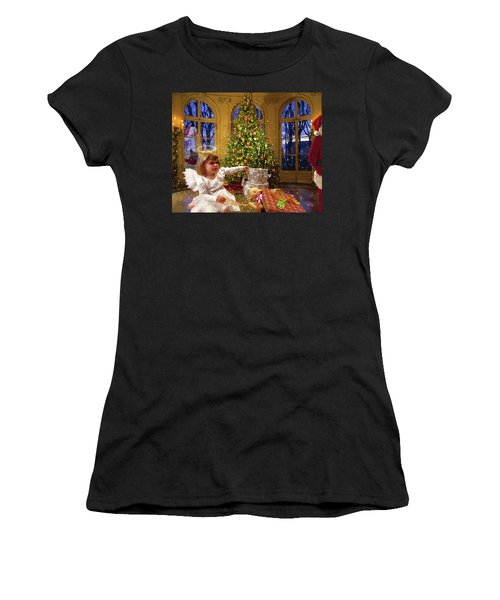 Annalise And Santa Women's T-Shirt (Athletic Fit)