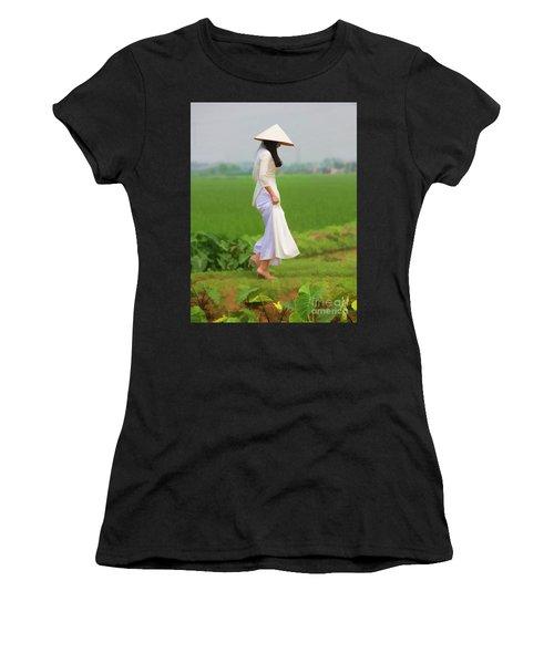 Ao Dai Woman Vietnamese Woman Women's T-Shirt