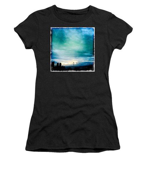 Aqua Needle Women's T-Shirt (Athletic Fit)