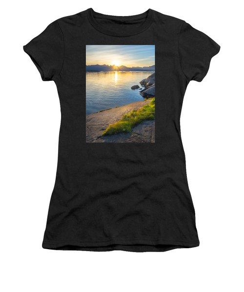 Arctic Sunrise Women's T-Shirt (Athletic Fit)