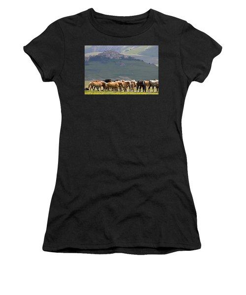 Castelluccio Di Norcia, Parko Nazionale Dei Monti Sibillini, Italy Women's T-Shirt