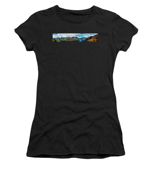 Aurlandsfjorden Panorama Revisited Women's T-Shirt (Athletic Fit)