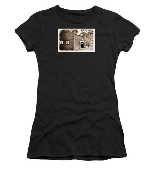 Barn In The Woods Women's T-Shirt (Athletic Fit)