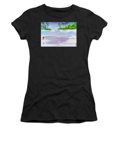 Gum Trees Frame The Sunset At Barnes Bay Women's T-Shirt
