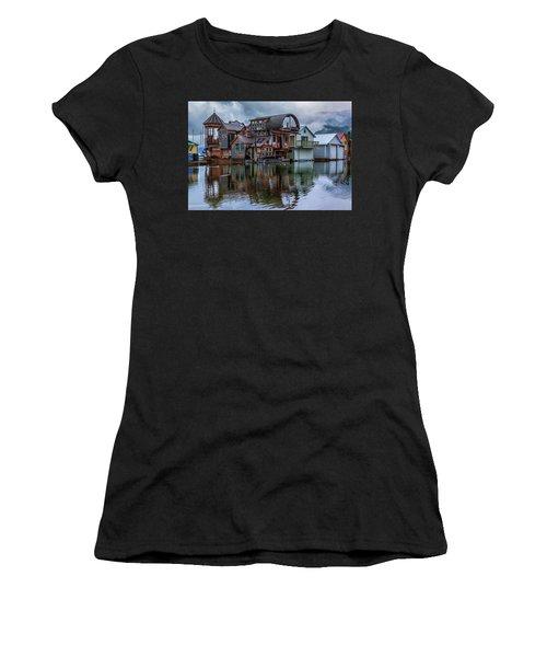 Bayview Houseboat Women's T-Shirt