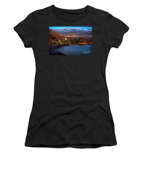 Beach Town Of Kailua-kona On The Big Island Of Hawaii Women's T-Shirt