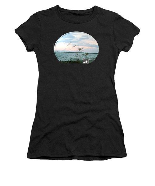 Bearly Beachin Women's T-Shirt
