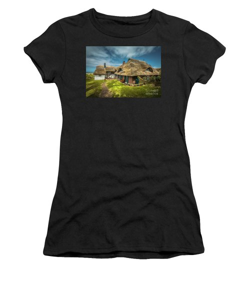 Beautiful Cottage Women's T-Shirt