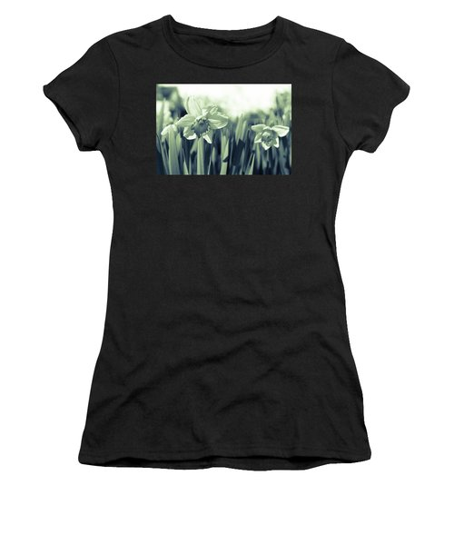 Beautiful Daffodil Women's T-Shirt (Athletic Fit)