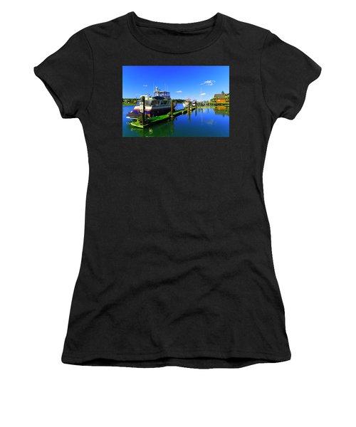 Beautiful La Conner Washington Women's T-Shirt