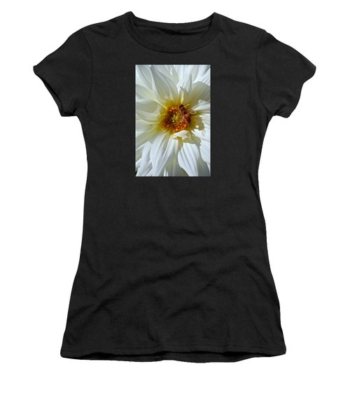 Bee Nice Dahlia  Women's T-Shirt (Athletic Fit)