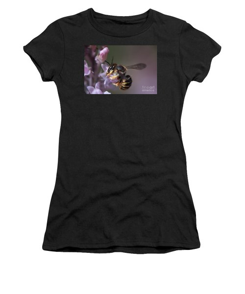 Bee Sipping Nectar Women's T-Shirt (Athletic Fit)