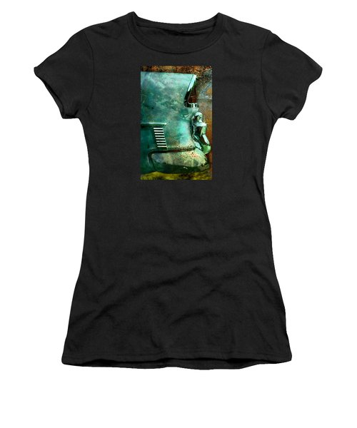 Belair Grunge Women's T-Shirt (Athletic Fit)